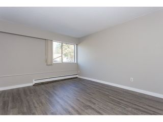 """Photo 12: 105 33956 ESSENDENE Avenue in Abbotsford: Central Abbotsford Condo for sale in """"Hillcrest Manor"""" : MLS®# R2192762"""