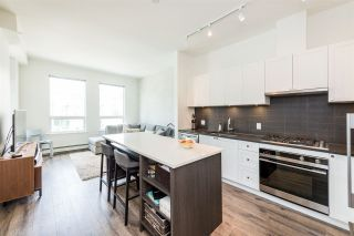 Photo 3: 406 105 W 2ND Street in North Vancouver: Lower Lonsdale Condo for sale : MLS®# R2296490