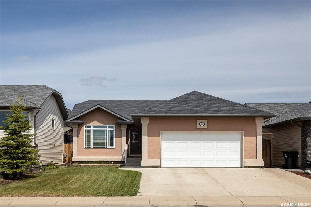 Main Photo: 218 Crenshaw Way in Warman: Residential for sale : MLS®# SK856505
