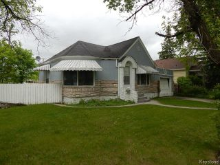 Photo 2: 1049 Manahan Avenue in WINNIPEG: Manitoba Other Residential for sale : MLS®# 1514525