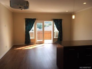 Photo 4: 2976 Trestle Pl in Langford: La Langford Lake House for sale : MLS®# 887607