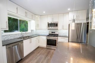 Photo 2: 659 SCHOOLHOUSE STREET in Coquitlam: Central Coquitlam House for sale : MLS®# R2237606