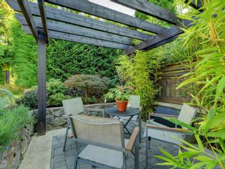 Photo 31: 2003 Runnymede Ave in : Vi Fairfield East House for sale (Victoria)  : MLS®# 853915