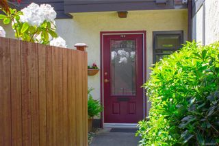 Photo 4: 106 119 Ladysmith St in Victoria: Vi James Bay Row/Townhouse for sale : MLS®# 841373