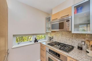 Photo 9: 401 68 Songhees Rd in : VW Songhees Condo for sale (Victoria West)  : MLS®# 875330