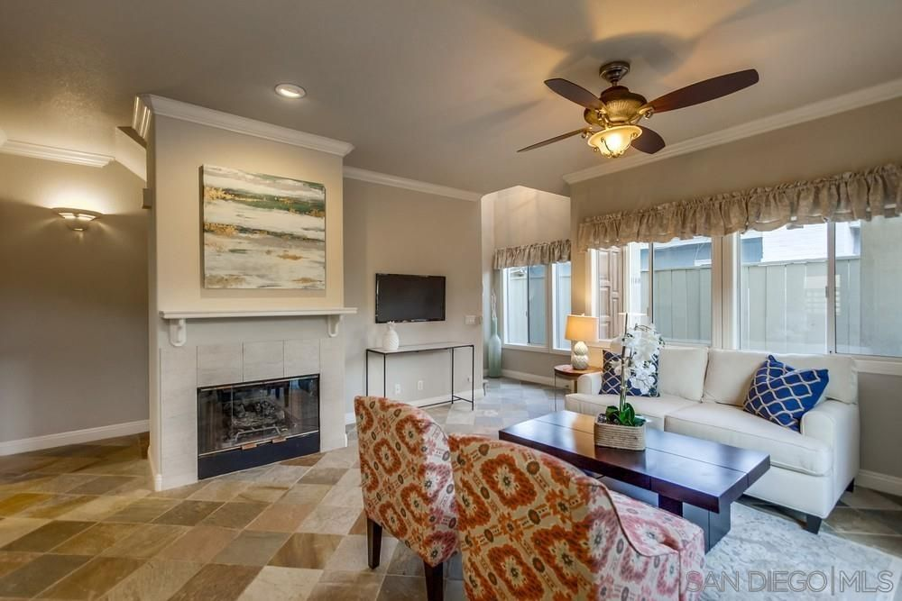 Main Photo: PACIFIC BEACH Townhouse for sale : 3 bedrooms : 1160 Pacific Beach Dr in San Diego