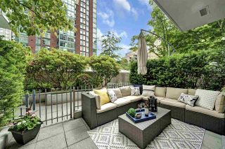 """Photo 23: 104 928 RICHARDS Street in Vancouver: Yaletown Townhouse for sale in """"The SAVOY"""" (Vancouver West)  : MLS®# R2459800"""
