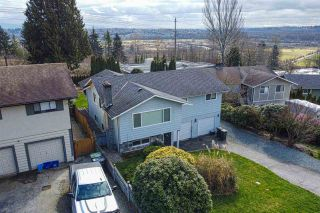 Photo 3: 2684 ROGATE Avenue in Coquitlam: Coquitlam East House for sale : MLS®# R2561514