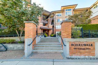 "Main Photo: 213 600 KLAHANIE Drive in Port Moody: Port Moody Centre Condo for sale in ""BOARDWALK AT KLAHANIE"" : MLS®# R2623410"