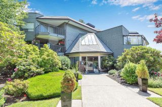 """Photo 2: 303 14950 THRIFT Avenue: White Rock Condo for sale in """"THE MONTEREY"""" (South Surrey White Rock)  : MLS®# R2598221"""