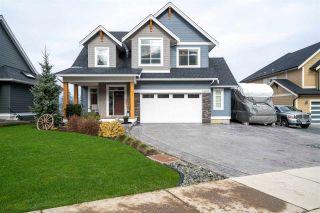 Photo 1: 51206 ROWANNA Crescent in Chilliwack: Eastern Hillsides House for sale : MLS®# R2536909