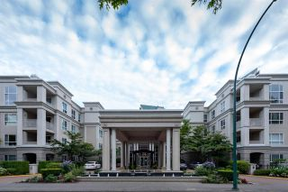 """Photo 19: 422 3098 GUILDFORD Way in Coquitlam: North Coquitlam Condo for sale in """"Marlborough House"""" : MLS®# R2490203"""