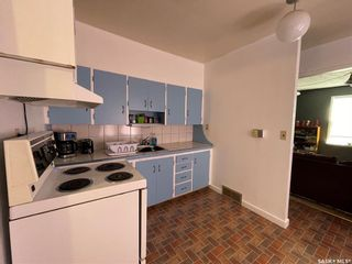 Photo 3: 938 Hochelaga Street West in Moose Jaw: Central MJ Residential for sale : MLS®# SK851165