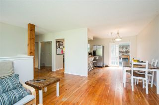 Photo 7: 8870 BARTLETT Street in Langley: Fort Langley House for sale : MLS®# R2591281