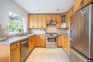 """Photo 3: 16146 10 Avenue in Surrey: King George Corridor House for sale in """"Mcnally Creek"""" (South Surrey White Rock)  : MLS®# R2287169"""