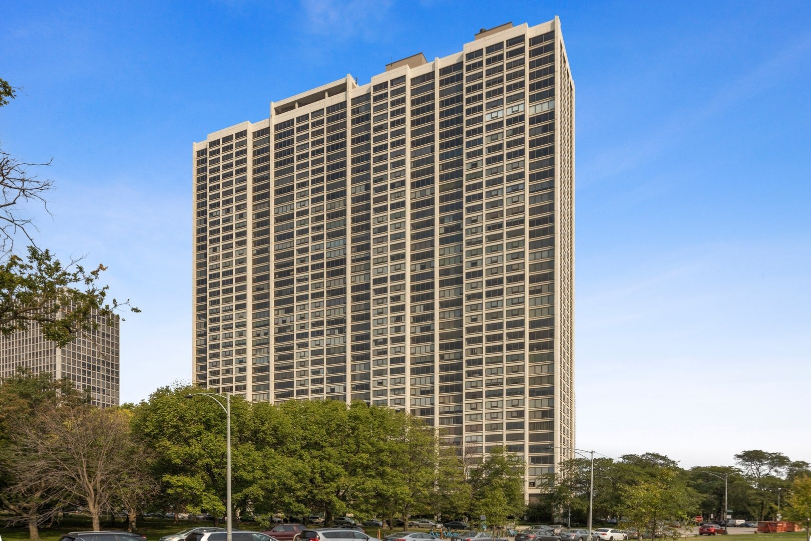 Main Photo: 2800 N Lake Shore Drive Unit 3905 in Chicago: CHI - Lake View Residential Lease for lease ()  : MLS®# 11218359