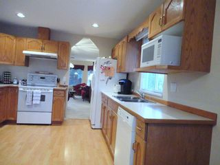 Photo 8: 9168 160A STREET in MAPLE GLEN: House for sale