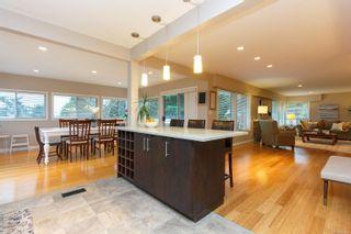 Photo 11: 2174 Wenman Dr in : SE Gordon Head House for sale (Saanich East)  : MLS®# 863789