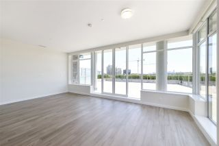 """Photo 5: 702 768 ARTHUR ERICKSON Place in West Vancouver: Park Royal Condo for sale in """"EVELYN - Forest's Edge PENTHOUSE"""" : MLS®# R2549644"""
