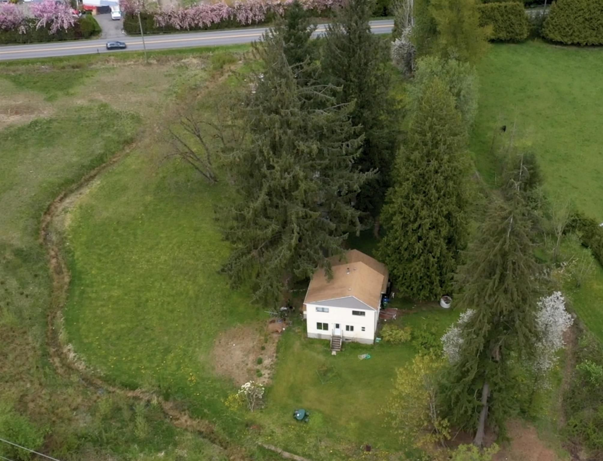 Main Photo: 27840 56 Avenue in Abbotsford: Bradner House for sale : MLS®# R2576885
