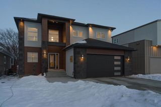 Photo 1: 445 Scotswood Drive South in Winnipeg: Charleswood Residential for sale (1G)  : MLS®# 202004764