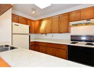 """Photo 11: 305 1354 WINTER Street: White Rock Condo for sale in """"Winter Estates"""" (South Surrey White Rock)  : MLS®# F1448115"""