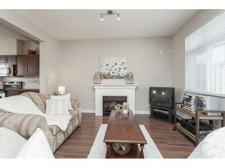 """Photo 4: 15 6036 164 Street in Surrey: Cloverdale BC Townhouse for sale in """"Arbour Village"""" (Cloverdale)  : MLS®# R2445991"""