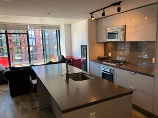 """Photo 15: 1406 108 W CORDOVA Street in Vancouver: Downtown VW Condo for sale in """"WOODWARDS W-32"""" (Vancouver West)  : MLS®# R2578411"""