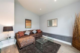 Photo 12: 909 Bank St in : Vi Fairfield East House for sale (Victoria)  : MLS®# 871077