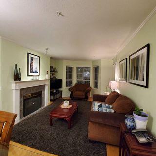 """Photo 4: 220 15268 105 Avenue in Surrey: Guildford Condo for sale in """"Georgian Gardens"""" (North Surrey)  : MLS®# R2514267"""