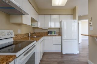 """Photo 10: 1401 1327 E KEITH Road in North Vancouver: Lynnmour Condo for sale in """"CARLTON AT THE CLUB"""" : MLS®# R2578047"""