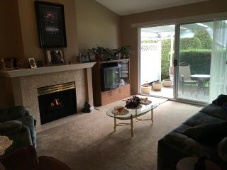 """Photo 2: 98 19649 53 Avenue in Langley: Langley City Townhouse for sale in """"Huntsfield Green"""" : MLS®# R2224007"""