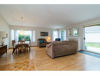 """Photo 3: 8 6537 138 Street in Surrey: East Newton Townhouse for sale in """"Charleston Green"""" : MLS®# R2105934"""