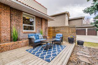 Photo 2: 424 135 Avenue SE in Calgary: Lake Bonavista Detached for sale : MLS®# A1095373