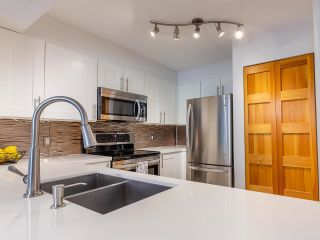 """Photo 12: 302 1438 W 7TH Avenue in Vancouver: Fairview VW Condo for sale in """"DIAMOND ROBINSON"""" (Vancouver West)  : MLS®# R2602805"""