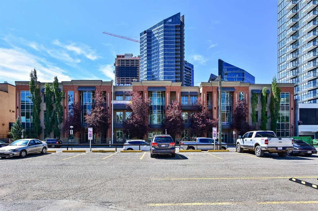 Main Photo: 202 221 10 Avenue SE in Calgary: Beltline Office for sale : MLS®# A1142743