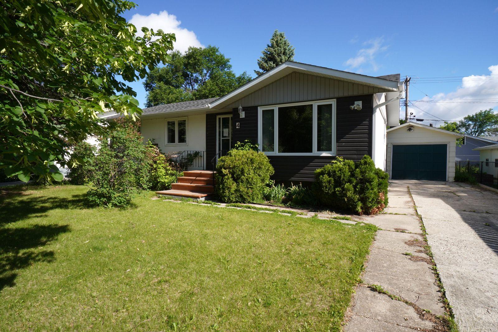 Main Photo: 4 Radisson Avenue in Portage la Prairie: House for sale : MLS®# 202115022