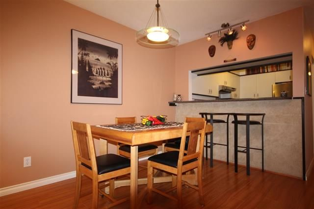 Photo 3: Photos: #203-925 W 15TH AV in VANCOUVER: Fairview VW Condo for sale (Vancouver West)  : MLS®# R2214676