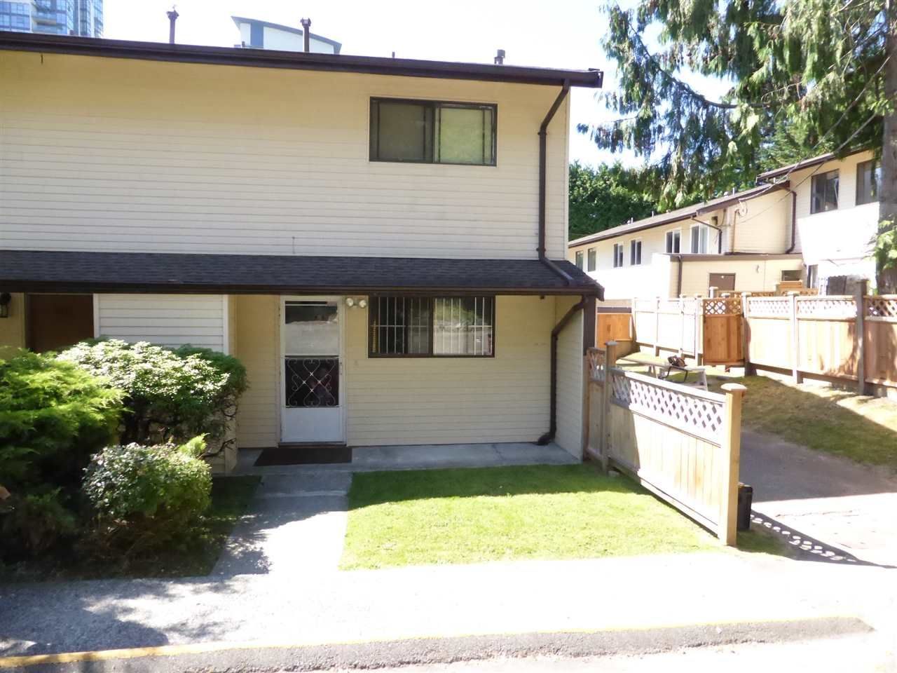 Main Photo: 2035 HOLDOM Avenue in Burnaby: Parkcrest Townhouse for sale (Burnaby North)  : MLS®# R2185341