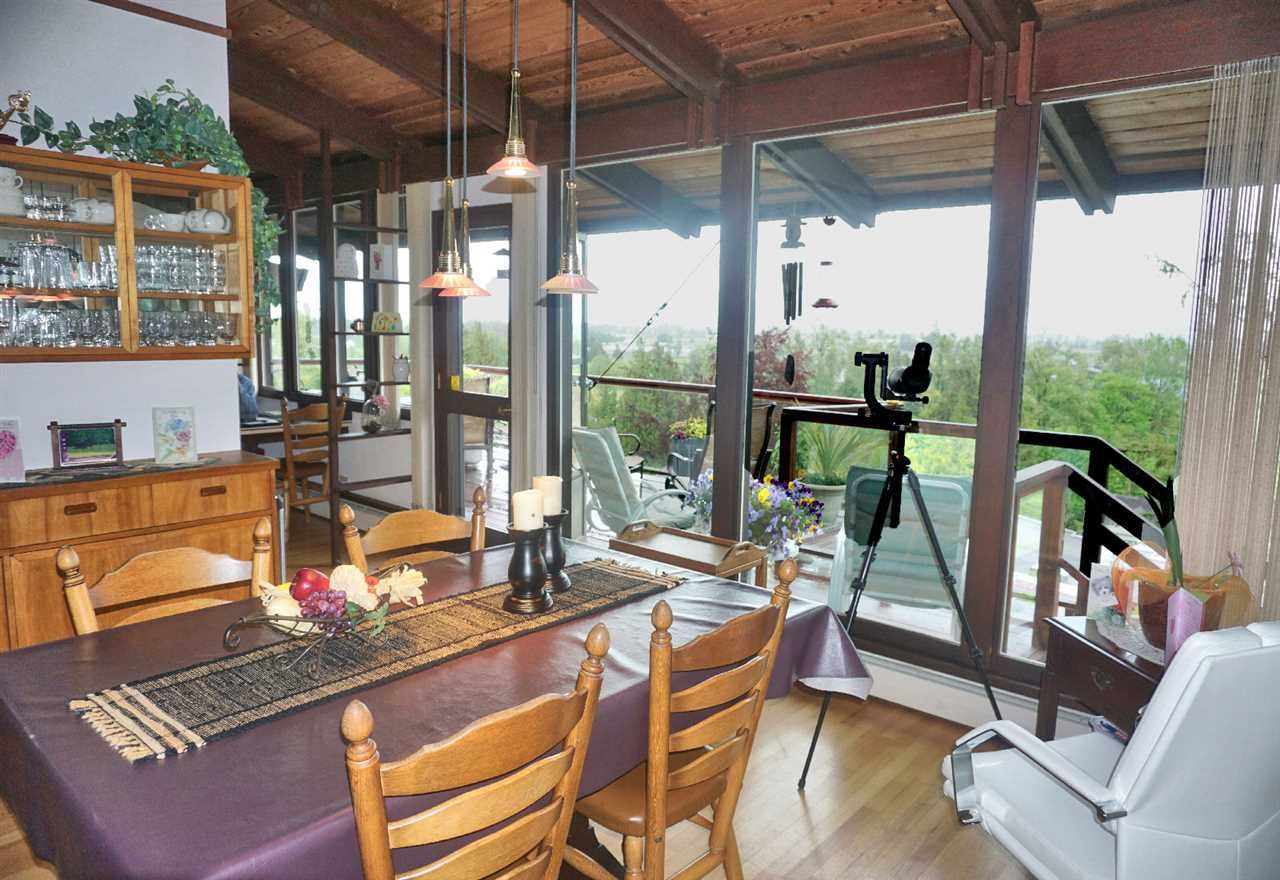 Photo 3: Photos: 10040 TIMBERLINE Place in Chilliwack: Little Mountain House for sale : MLS®# R2167640