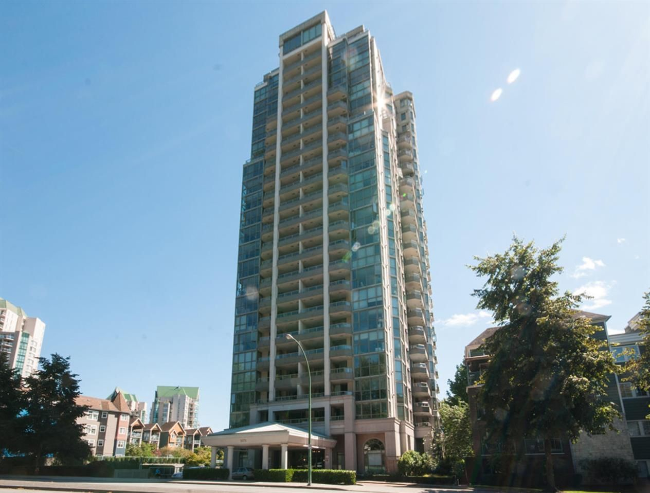 "Main Photo: 1506 3070 GUILDFORD Way in Coquitlam: North Coquitlam Condo for sale in ""LAKESIDE TERRACE"" : MLS®# R2097115"