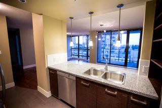 "Photo 5: 604 2959 GLEN Drive in Coquitlam: North Coquitlam Condo for sale in ""THE PARC"" : MLS®# R2144398"
