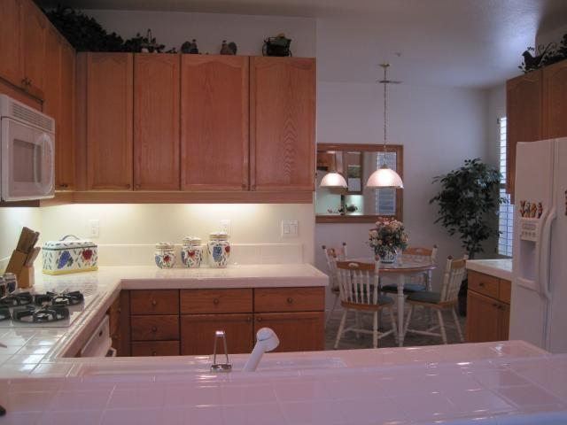 Photo 4: Photos: EAST ESCONDIDO House for sale : 3 bedrooms : 2461 Fallbrook in Escondido