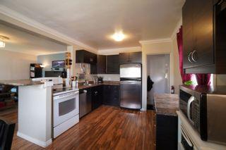 Photo 2: 117 Lorne Avenue E in Portage la Prairie: House for sale : MLS®# 202115159