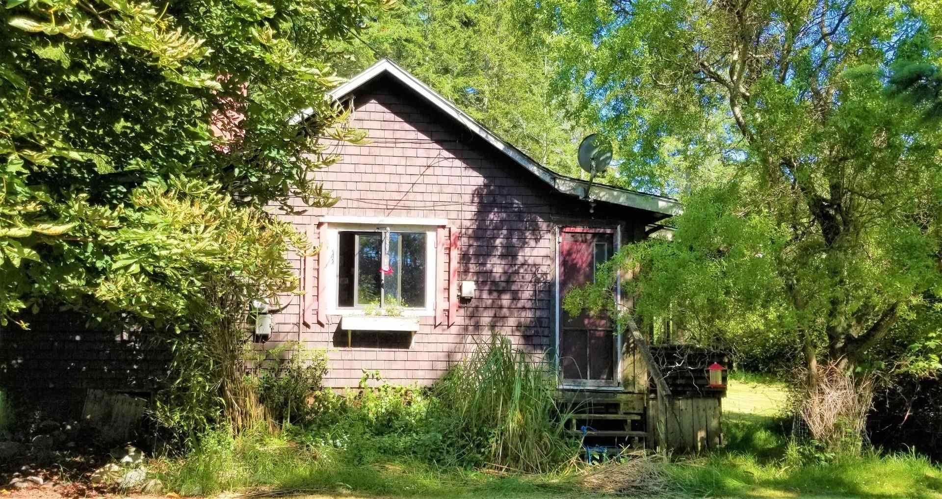 Main Photo: 428 CAMPBELL BAY Road: Mayne Island House for sale (Islands-Van. & Gulf)  : MLS®# R2596415