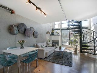 """Photo 6: 305 428 W 8TH Avenue in Vancouver: Mount Pleasant VW Condo for sale in """"XL LOFTS"""" (Vancouver West)  : MLS®# R2184000"""