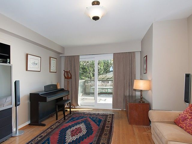 Photo 7: Photos: 3922 W 29TH Avenue in Vancouver: Dunbar House for sale (Vancouver West)  : MLS®# V1118807