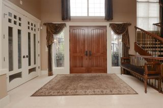 Photo 2: 1124 119 Street in Edmonton: Zone 16 House for sale : MLS®# E4228134