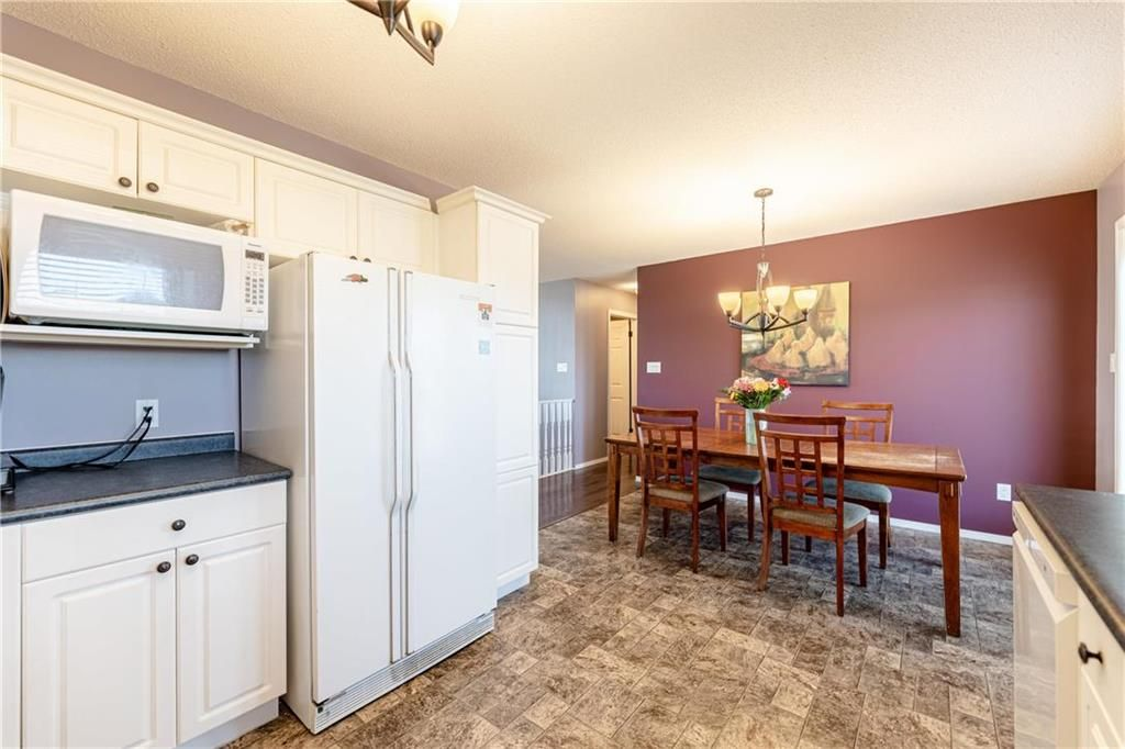 Photo 9: Photos: 20 PENROSE Crescent in Steinbach: R16 Residential for sale : MLS®# 202107867