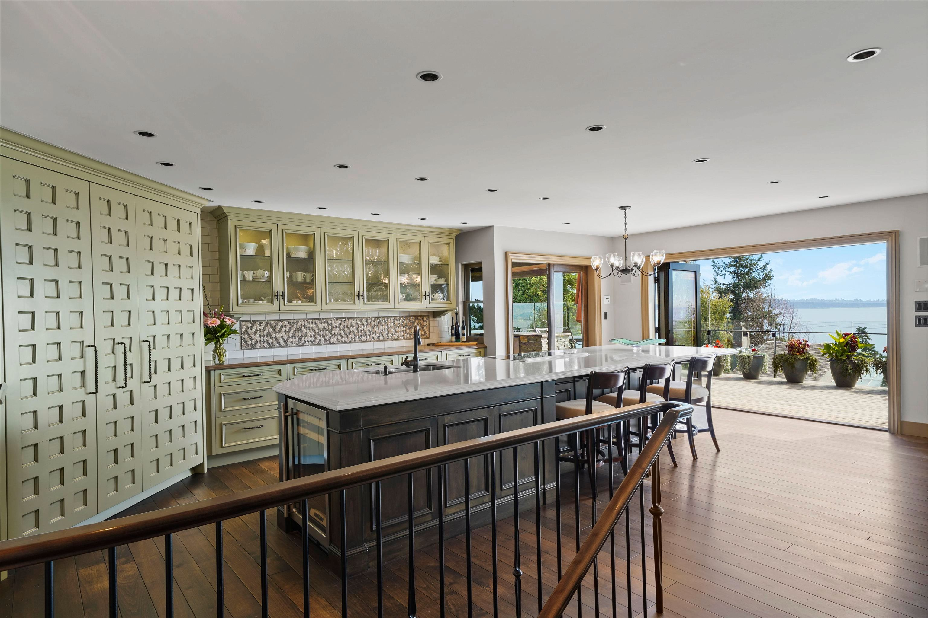 """Main Photo: 14170 WHEATLEY Avenue: White Rock House for sale in """"West Side"""" (South Surrey White Rock)  : MLS®# R2620331"""